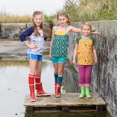 bf2564f9b117f7 t-shirt-raglan-meisje 3 meiden in kinderkleding van Dress en Les - op een  pallet hotpants ...