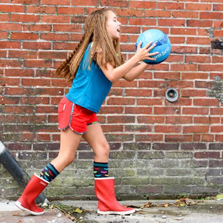 Kinderkleding van Dress en Les. Hotpants en t-shirt met raglanmouw