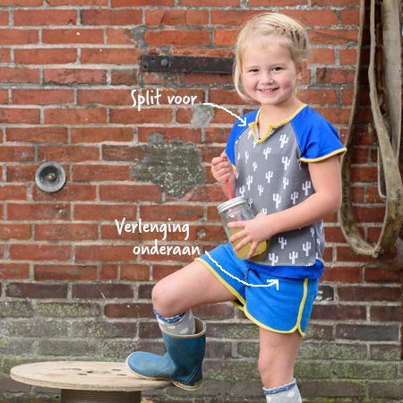 Meisje in t-shirt met cactusprint en hotpants van Dress en Les - voorkant